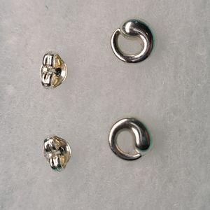 Tiffany &Co. Eternal Circle stud earrings